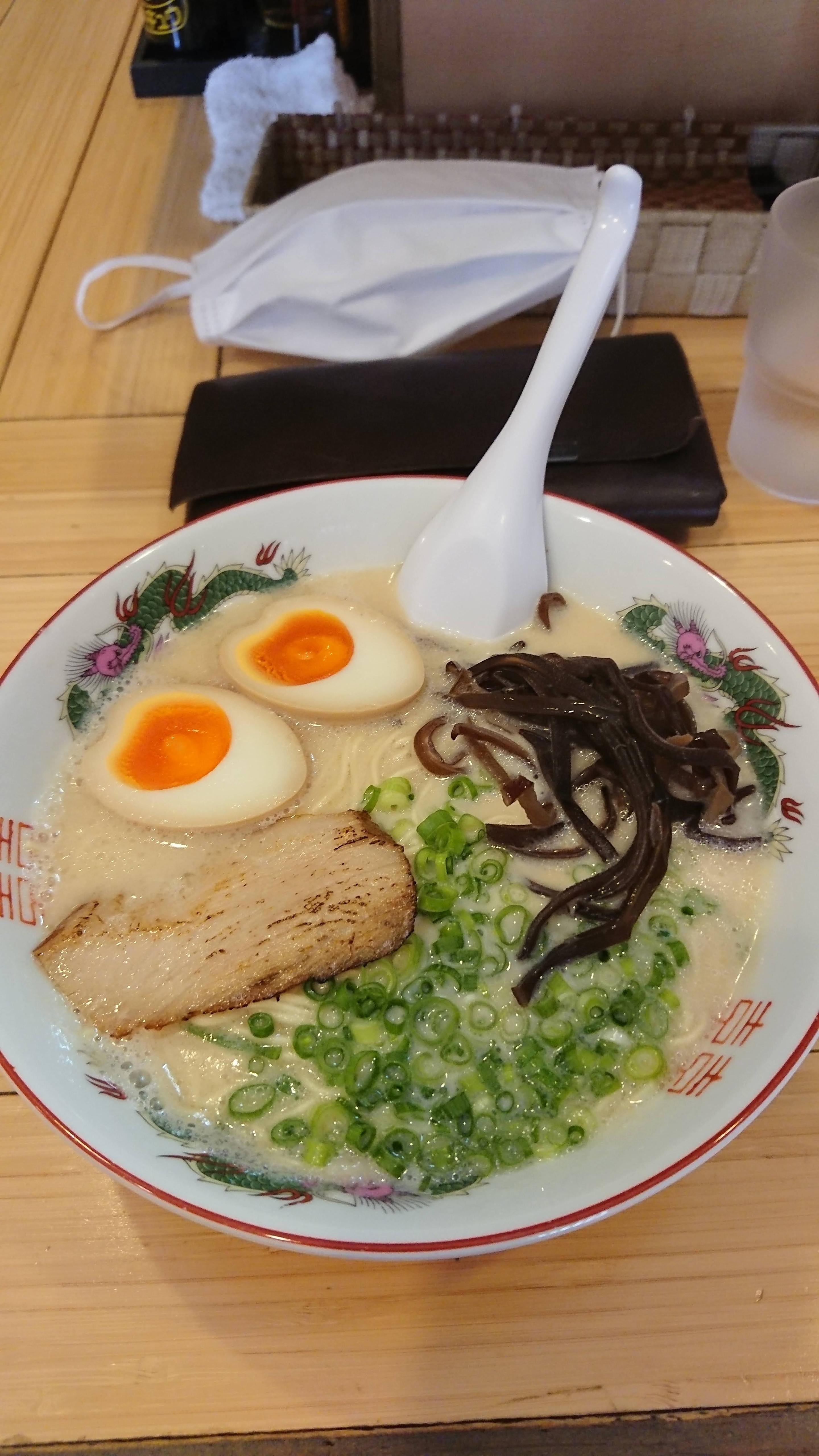 コハクノトキ 博多豚骨ラーメン